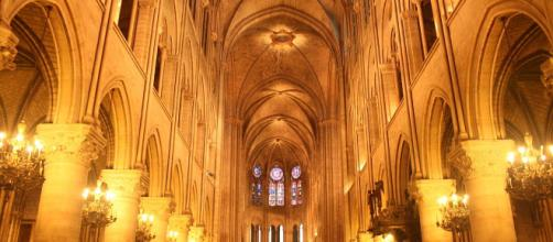 Notre Dame cathedral, Paris Interior nave. - [Diego Delso / Wikimedia Commons]