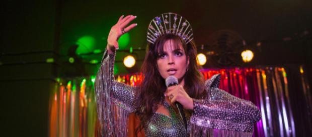 Emanuelle Araújo em ação como Samantha. (Divulgação/Netflix)