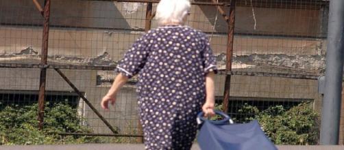 A 102 anni chiede un'ecografia: «Non c'è posto, torni l'anno prossimo» - Newsgo.it