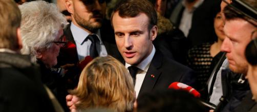 Grand débat : Emmanuel Macron sous pression face à la question du temps du travail