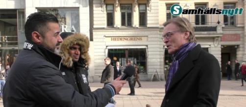 La candid camera che smaschera il finto buonismo dei cittadini svedesi verso i profughi