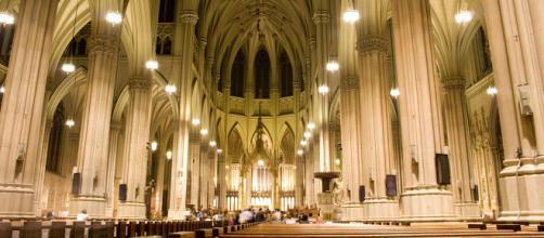 La catedral de San Patricio en Nueva York es uno de los templos católicos más visitados durante Semana Santa. - viajejet.com