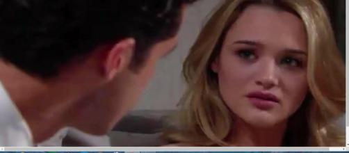 Summer will be crushed that Kyle gave Lola jewelry. [Image Source:Y&R Spoilers-YouTube]