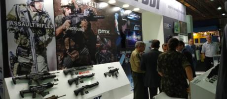 Arma é roubada durante evento que destaca segurança. (Arquivo Blasting News)