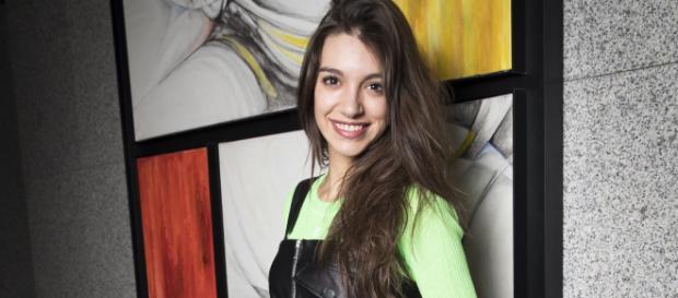 Ana Guerra, insultada por una fotografía en la que aparece frente ... - bekia.es