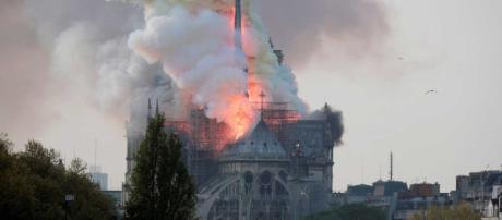 Grave incendio ocurrido el 15 de abril de 2019 en la catedral parisina de Notre Dame