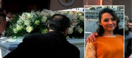 Dramma a Cardito, Simona muore a 28 anni. Ieri si era cresimata