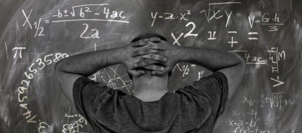 Um professor é demitido após crítica ao presidente Bolsonaro durante aula. (Reprodução/Pixabay)