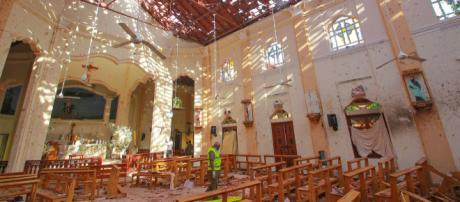 Más de 200 muertos y 400 heridos en ocho explosiones en iglesias y hoteles de Sri Lanka. - telemundo.com
