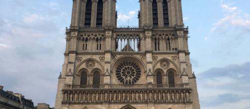 Las dos torres del frente de la catedral de Notre Dame