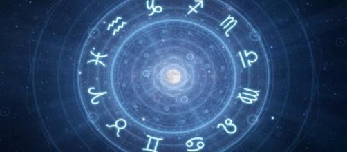 Oroscopo del giorno mercoledì 24 aprile: previsioni astrologiche per tutti i segni zodiacali.