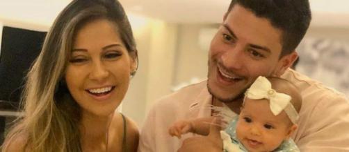 Arthur Aguiar e Mayra Cardi com a filha, Sophia (Arquivo Blasting News)