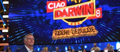 Ciao Darwin 8, un concorrente immobile dal collo in giù dopo il rulli: parla il cugino.