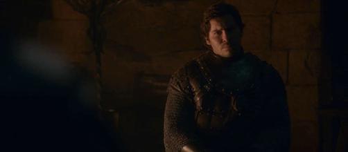 Podrick canta para os residentes de Winterfell. (Reprodução/HBO)