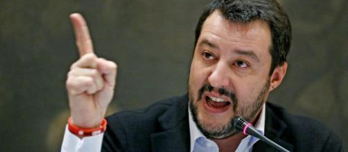 Salvini torna a proporre la leva obbligatoria.