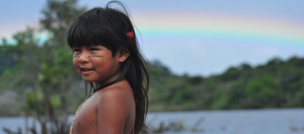Atriz do filme 'Taíná' lança moda. (Arquivo Blasting News)
