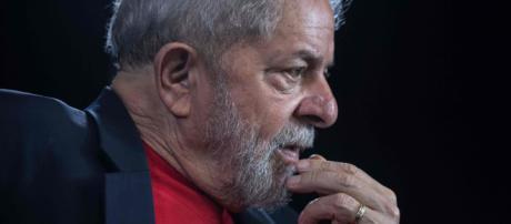 STJ mantém condenação, mas reduz pena de Lula no caso do tríplex. (Arquivo Blasting News)