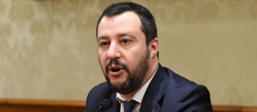 Matteo Salvini su striscione neofascista a Milano: 'Complimenti alle forze dell'ordine che hanno identificato 14 idioti'
