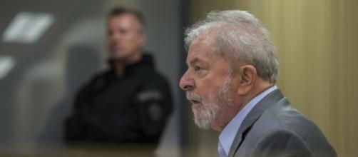 """Lula afirma que quer """"desmascarar"""" Moro (Arquivo Blasting News)"""