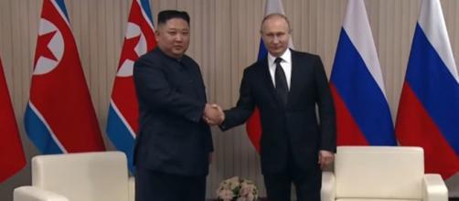 Os líderes Vladimir Putin e Kim Jong-un se encontram pela primeira vez. (Reprodução/RT)