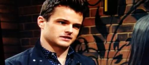 On The Young and The Restless, Rey breaks Summer's heart. [Image Source: YR-YouTube]