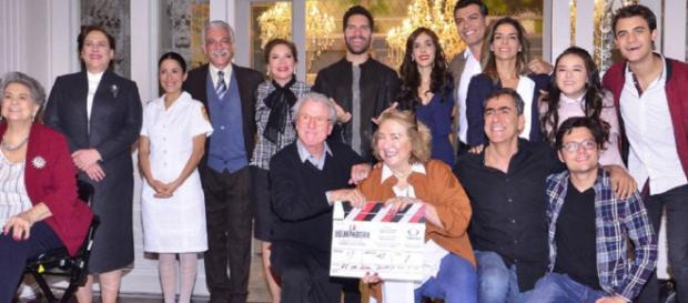 Apresentação do elenco não contou com nomes muito conhecidos do telespectador. (Divulgação/Televisa)