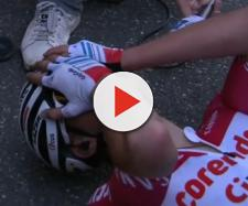 Mathieu Van der Poel esausto e felice all'arrivo dell'Amstel Gold Race