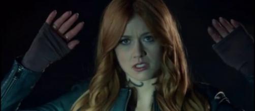 Clary captures Jace - image via Chunky Mammal/YouTube Screencap