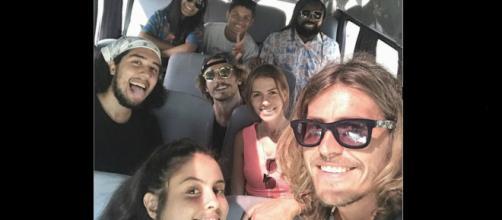 Ex-BBBs Hana, Alan, Rodrigo, Danrley e Alberto viajam juntos. (Reprodução/Instagram/@albertomezzetti)