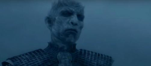 New 'GoT' theory suggests Night King will find the Night Queen in the Winterfell Crypts. [image source: TheCell8 - YouTube]