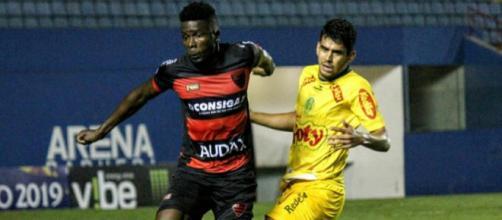 Oeste, de Kanu, jogará na Ilha do Retiro contra o Sport. (Divulgação/Jefferson Vieira/Oeste FC)