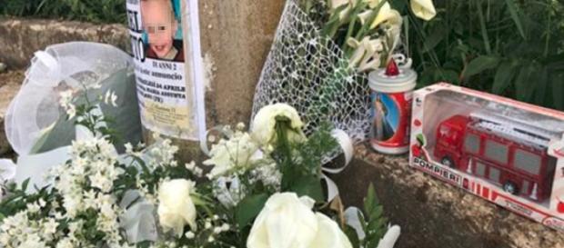 Frosinone, il pianto disturbava la coppia appartata in auto: madre uccide figlio di 2 anni