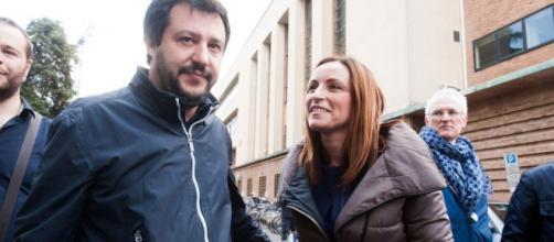 La senatrice della Lega Lucia Borgonzoni insieme a Matteo Salvini
