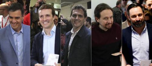 Los candidatos votan en sus respectivos colegios. / EL PAÍS