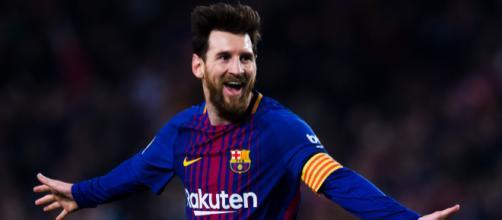 Messi, heureux après avoir remporté son 32e titre de sa carrière