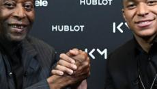 Pelé é hospitalizado em Paris após encontro com Mbappé
