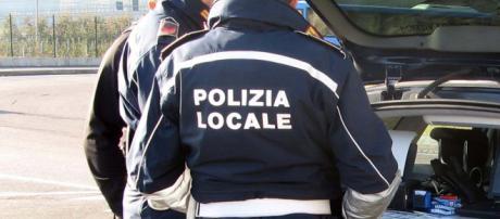 I presunti abusi di potere della polizia locale di Mira: arrivano Le Iene