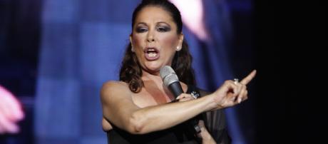 Isabel Pantoja sale en libertad y regresa a la música   800Noticias - 800noticias.com
