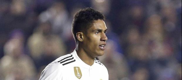 Varane se quiere ir y el Madrid ya tiene lista de sustitutos
