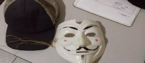 Escola é invadida por adolescentes mascarados com machado (Divulgação/PMPR)