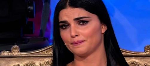 Gossip Uomini e Donne: Teresa piange per i fan, Martina Luchena criticata per un evento con Rihanna.
