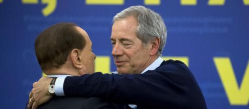 Guido Bertolaso attacca Marco Travaglio e lui lo querela
