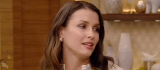Bridget Moynahan was in a three-year relationship with Brady. [Source: FilltheGAP/YouTube]