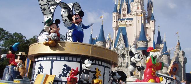 Disney é processada por suspeita de discriminação salarial entre homens e mulheres
