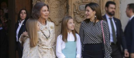 La reina Letizia repite el atuendo del día del incidente con Sofía