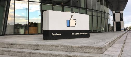 Apple vs Facebook et Google : pour défendre sa doctrine, Tim Cook ... - numerama.com