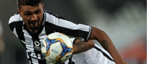 Kieza perde gol incrível e Botafogo só empata com o Juventude. (Divulgação/Vitor Silta/ Botafogo)