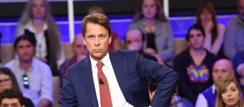 Nicola Porro: 'Mafia nigeriana usa i barconi per arrivare in Italia'