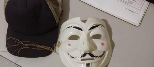 Três adolescentes mascarados invadem escola (Divulgação/PMPR)