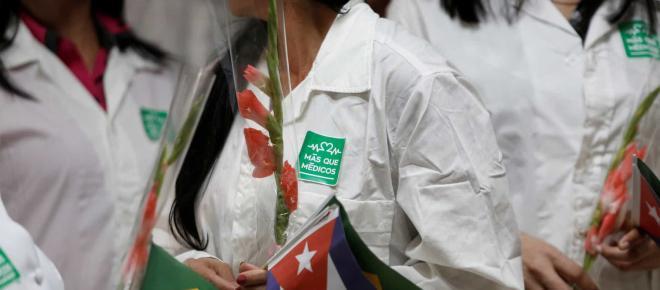 Programa Mais Médicos tem mais de mil desistências após saída de cubanos